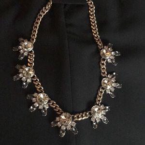 Beautiful banana Republic statement necklace-New